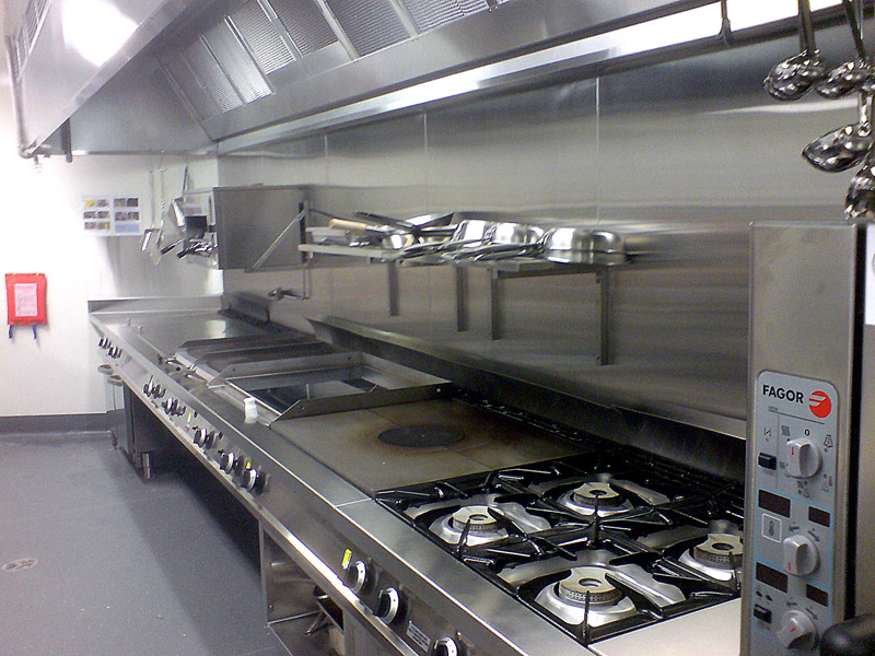 Hospitality design melbourne commercial kitchens mercure for Kitchen setup designs